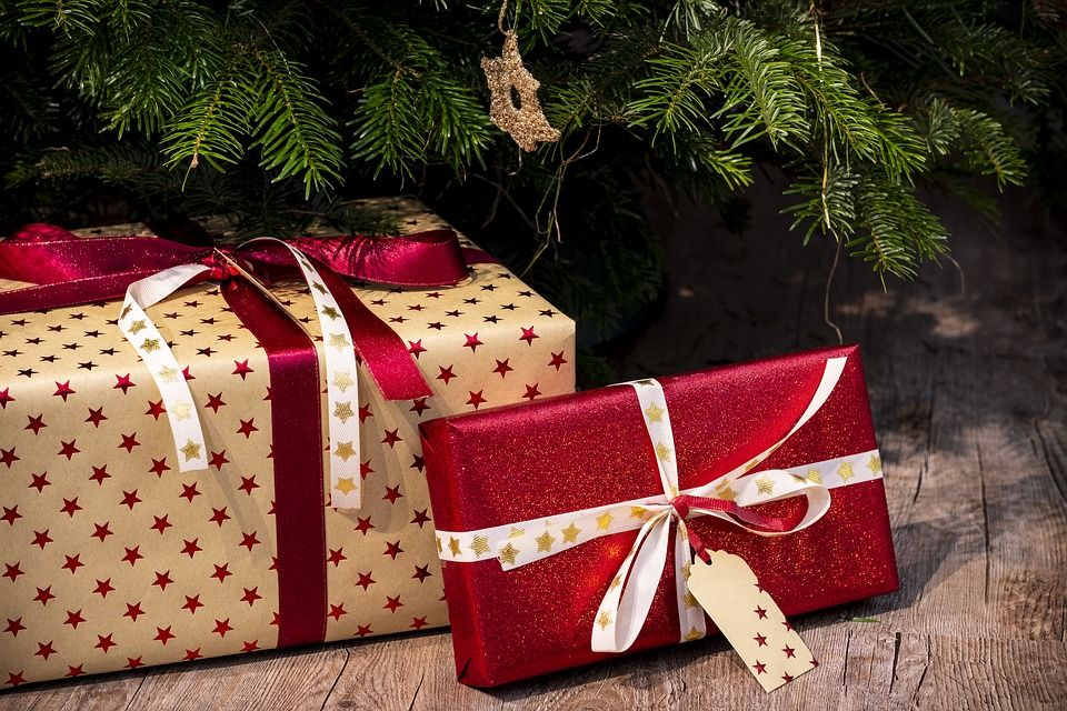 Poklon paketi povodom božićnih blagdana